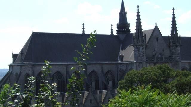 Die Stiftskirche Sainte-Waudru