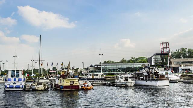 Jachthafen des Grand Larges in Mons