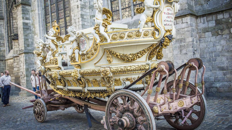 Der Anstieg des Goldenen Wagens