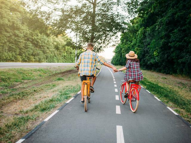 Mons mit dem Fahrrad